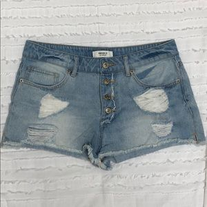 DENIM LIGHT BLUE JEAN SHORTS